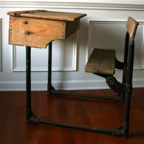 The Gallery For > Wooden School Desk And Chair