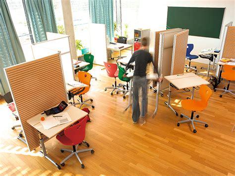 vs ergonomic school furniture