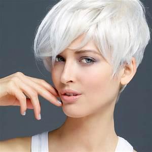 Coupe Courte Femme Cheveux Gris : coupe de cheveux femme 60 ans cheveux blancs ~ Melissatoandfro.com Idées de Décoration