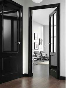 des portes noires c deco With porte de garage enroulable et portes interieures noires