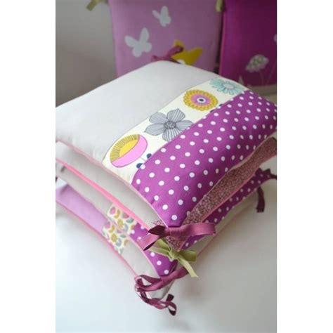 coussin pour lit bebe tour de lit b 233 b 233 sur mesure selon vos envies de couleurs et de motifs pour votre petit ange