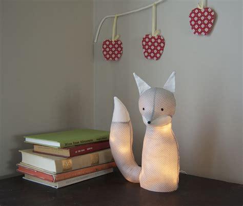 luminaire pour chambre bébé créer un luminaire original pour une chambre d 39 enfants
