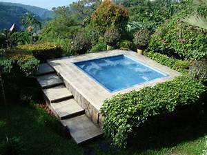 whirlpool im garten outdoor jacuzzi wird zum blickfang With whirlpool garten mit wasserdichte bodenbeläge für balkone