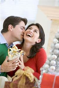 How To Choose Christmas Gifts For Wife 2016