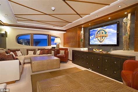 super yacht owned  vladimir putins  media