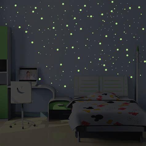etoiles fluorescentes plafond chambre stickers phosphorescents 240 étoiles et planètes taille