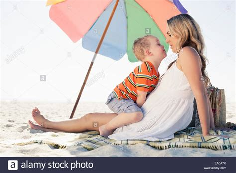 Family Picnic Beach Stock Photos & Family Picnic Beach Stock Images Sunbeam Electric Blanket King Size Dual Control Battery Operated Uk Super Dunelm Easy Baby Crochet Patterns One Color Native American Blankets Blinking How To Make A No Sew Knotted Fleece Binding Corners