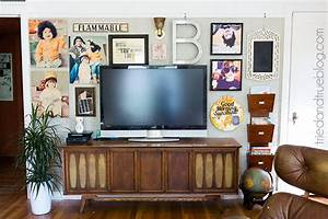 Ideas solutions for a gallery wall behind the tv