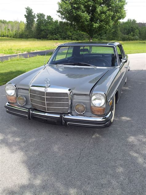 Enjoy the videos and music you love, upload original content, and share it all with friends, family, and the world on. w114 Mercedes-Benz 250C coupe, two tone paint job, slightly lowered. | Mercedes benz classes ...