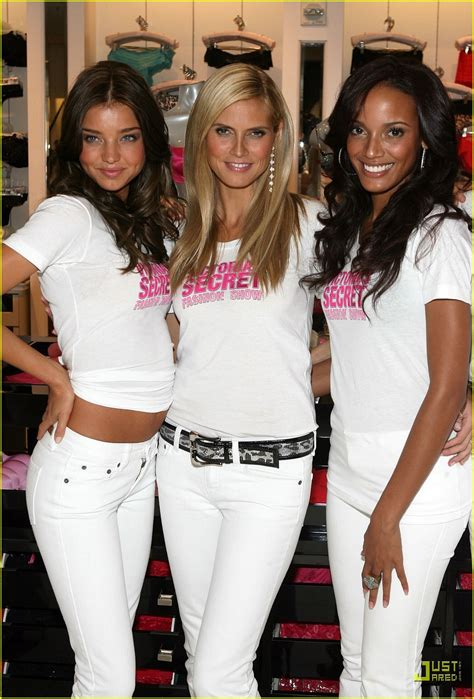 Heidi Klum Preps For Victorias Secret Fashion Show Photo