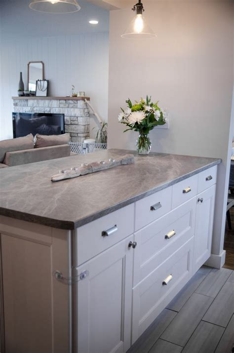 Kitchen Counter Tops by Before And After Diy Kitchen Renovation 180fx 174 By