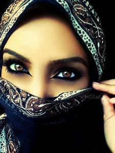 Headdress Worn By Arab women - HijabiWorld