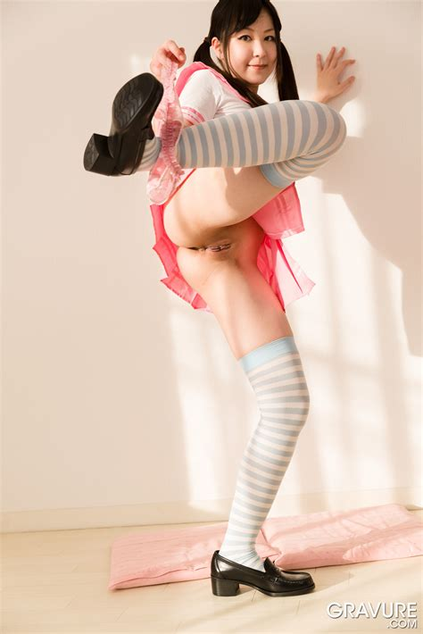 GRAVURE.COM Yuri Sawashiro 沢城百合 Pink Sailor