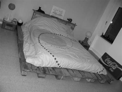 meuble cuisine en palette le lit en palettes européenne bois le de mazelin