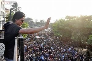 BMC begins demolition outside Shah Rukh Khan's residence ...