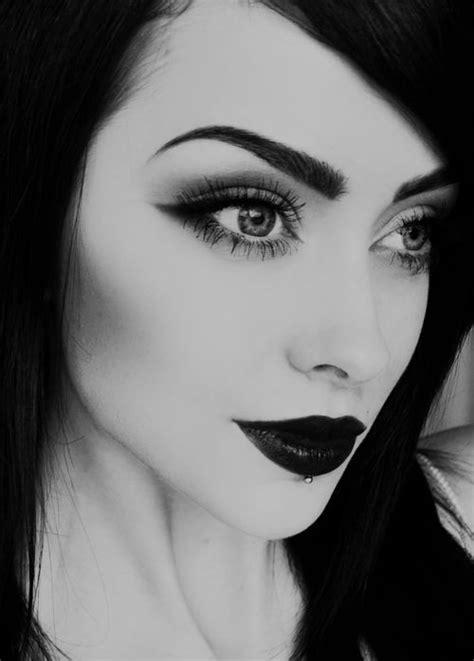 56 bestBlack & White Make-Up... images on Pinterest