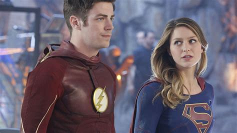 wallpaper flash supergirl melissa benoist grant gustin