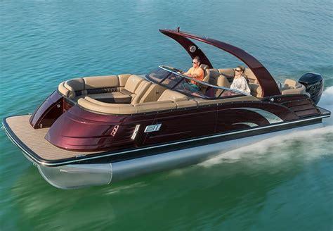Top 10 Luxury Pontoon Boats by Q Series Luxury Pontoon Boats By Bennington