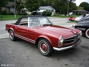 Mercedes 230 Sl : 1967 mercedes benz 230 sl i want to drive that wheels pinterest mercedes benz benz and cars ~ Medecine-chirurgie-esthetiques.com Avis de Voitures
