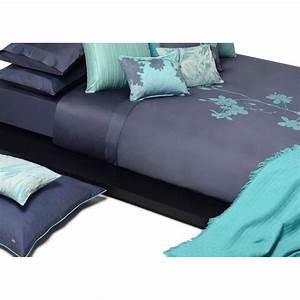 Housse de couette mint et bleu batik chic par home concept for Tapis chambre bébé avec housse de couette en satin de soie