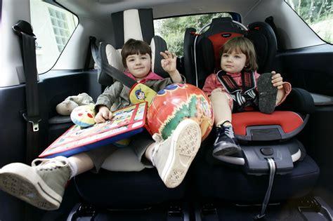 siege auto pour bebe siège auto quelles sont les voitures familiales les