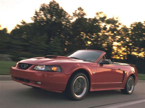 ford mustang gt convertible  pictures information