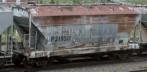 UP 219511 2-bay ACF covered hopper with Rock ...