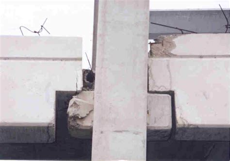 Corbel Joint by Precast Concrete Structures