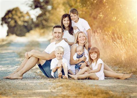 ideen für familienfotos familienfotos fotoshooting familie familienfotos drau 223 en familien fotos drau 223 en fotoshooting