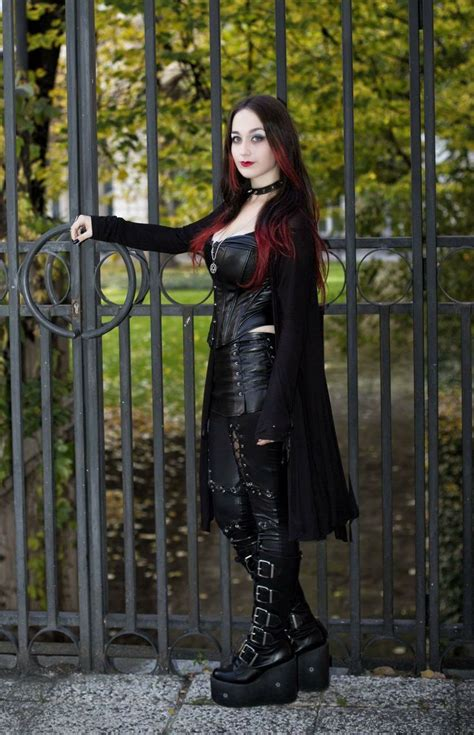 1659 best true gothic images on pinterest gothic girls