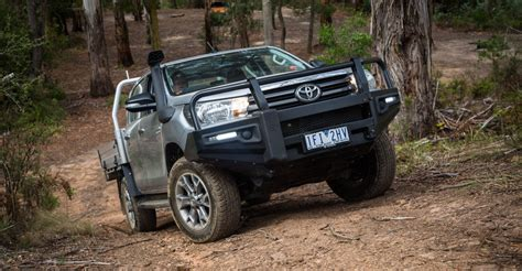 toyota hilux  ford ranger  great australian rivalry