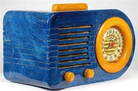 catalin  crown jewel  table radios wshu