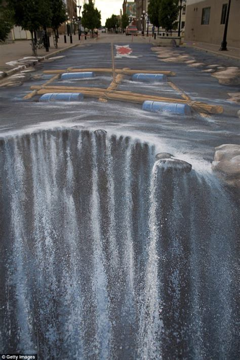 waterfall effect illusion 50 absolutely stunning 3d street art paintings hongkiat
