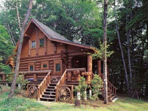 mini log cabins the small log cabin simply serene