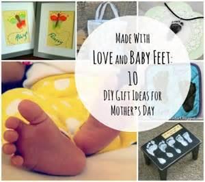 Mickey And Minnie Mouse Bath Decor by 7 Diy Gift Ideas Using Baby Feet Disney Baby