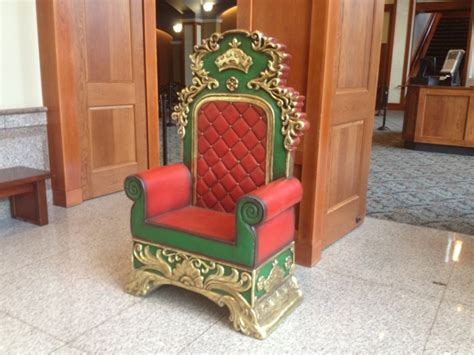 rent a throne chair http studio4eventproduction