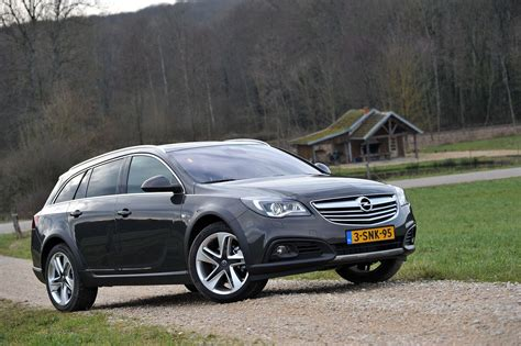 Opel Insignia Country Tourer Autotest 2014