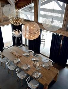 Les 25 meilleures idees de la categorie tables de salle a for Salle À manger contemporaineavec grande table de salle a manger en bois