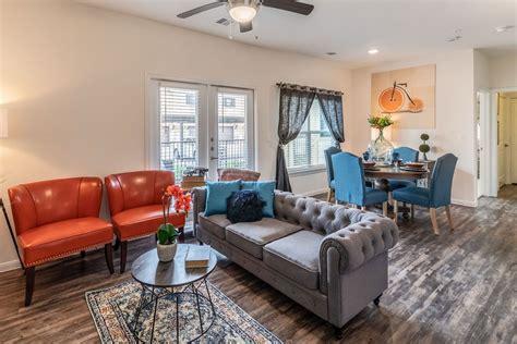 apartments  rent  east austin tx creekside