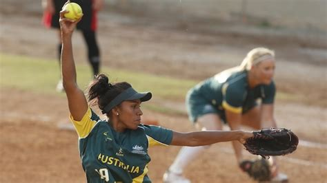 Fastpitch Softball: Pitch Count Tips | STACK
