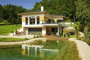 Haus Bungalow Modern : haus hanglage modern ~ Markanthonyermac.com Haus und Dekorationen