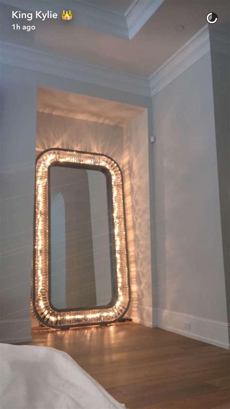 Bedroom Mirrors by Jenner Bedroom Mirror Kendall Jenner Bedroom