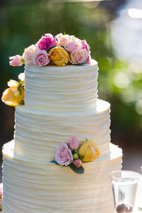 wedding cakes  le croissant catering davd photography