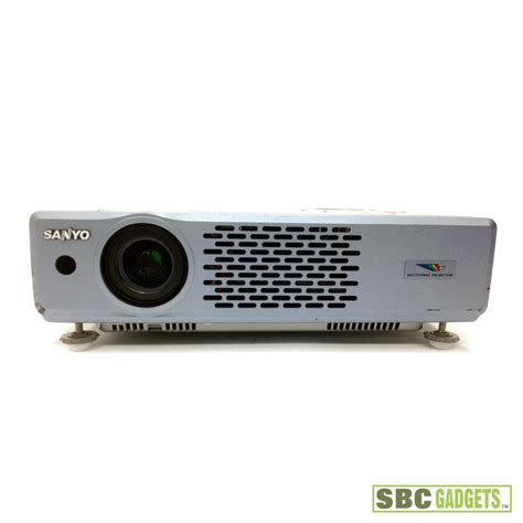 sanyo pro xtrax multiverse 2k lumen lcd projector as is