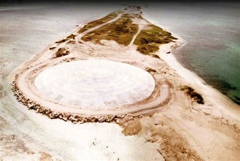 Under the dome: Fears Pacific nuclear 'coffin' is leaking ...