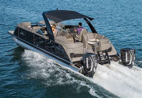 series luxury pontoon boats  bennington