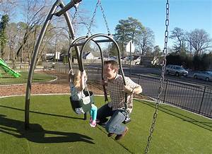 Expression Swing | Marturano Playground Equipment