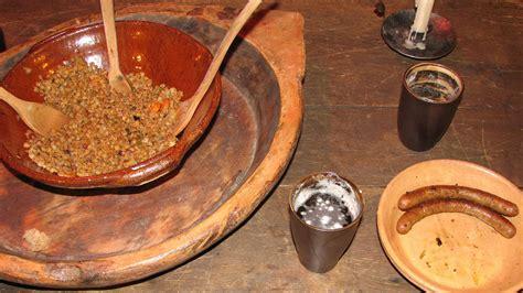 tischetikette tischsitten im mittelalter essen