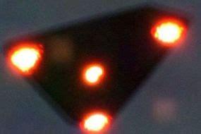 UFO NEWS: Does Stunning 'TR-3B triangle UFO filmed on ...