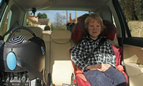 installer un siege auto se former à bien installer un siège auto d 39 enfant